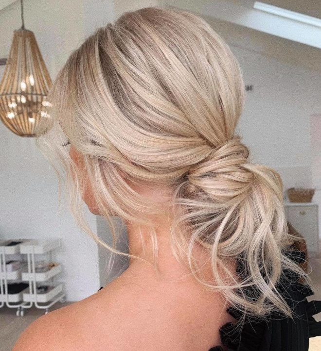 9 cute & easy summer hairstyles that you can do with minimal effort
